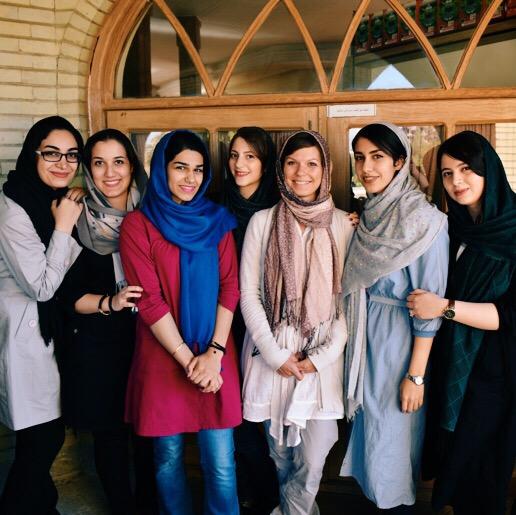 Dziewczyny są studentkami w Tabrizie. Wszystkie mają konta na instagramie. (fot. Kuba Głębicki)