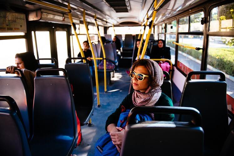 W miejskim autobusie, fot. Kuba Głębicki