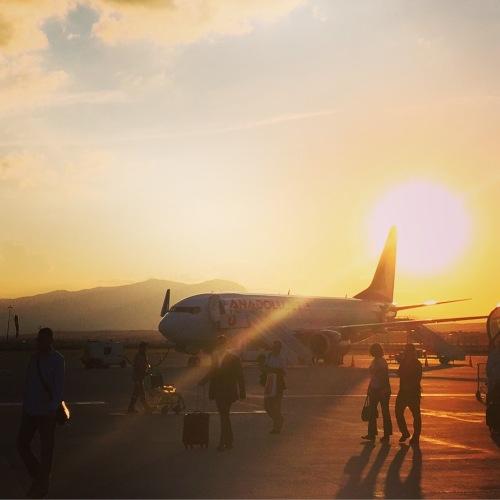 Zachód słońca na lotnisku w Denizli (fot. Kuba)