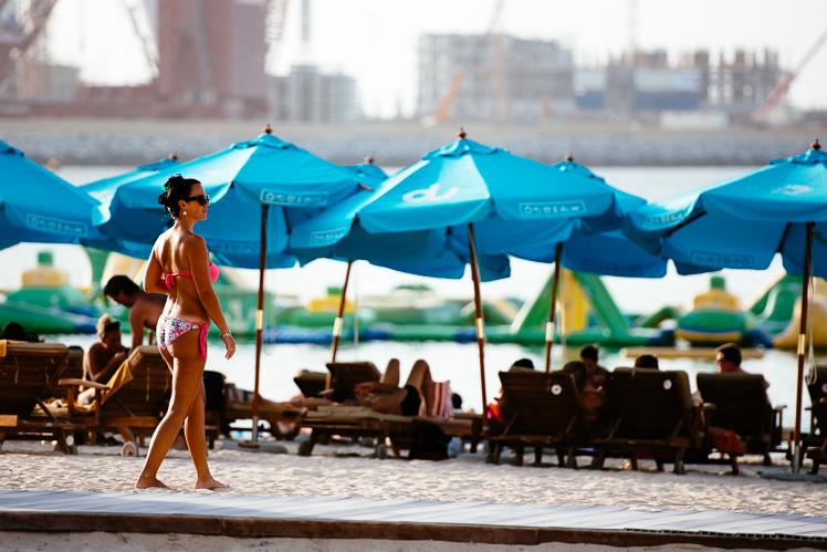 Dubajska plaża (fot. Kuba Głębicki)