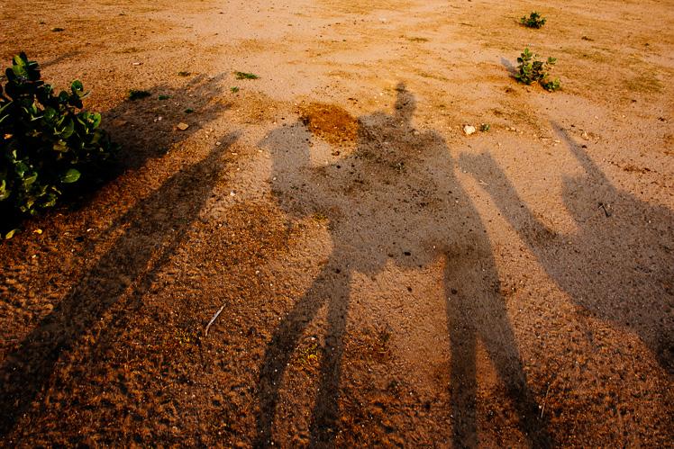 Cienie na piasku (fot. Kuba Głębicki)