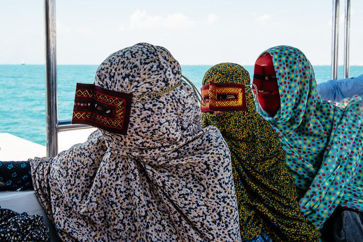 Kobiety na promie z Bandar Abbas, fot. Kuba Głębicki