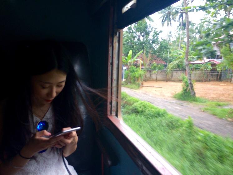 W pociągu do Galle (fot. Asia - iPhone)